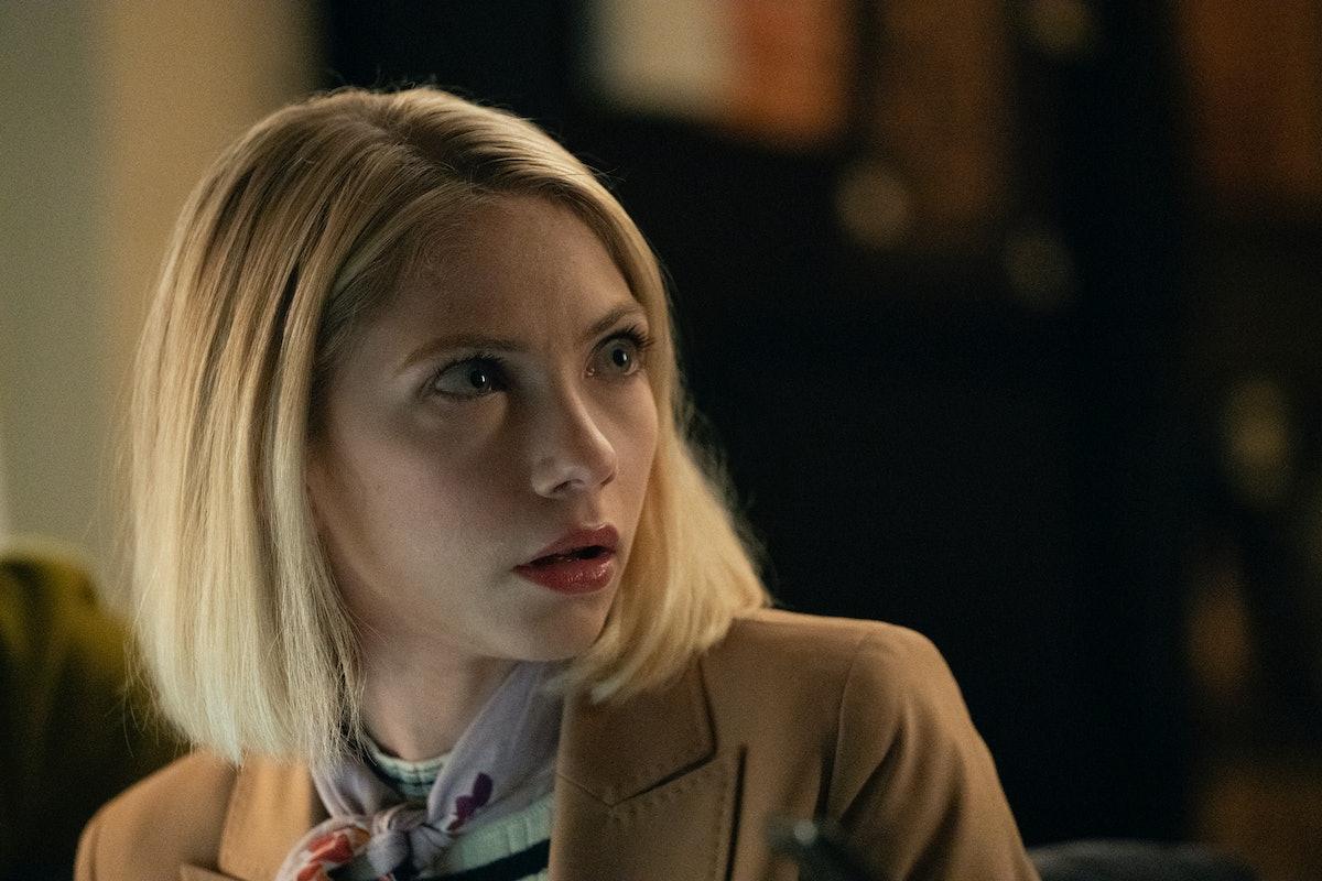 Tavi Gevinson as Kate, a teacher alongside Rebecca in 'Gossip Girl'