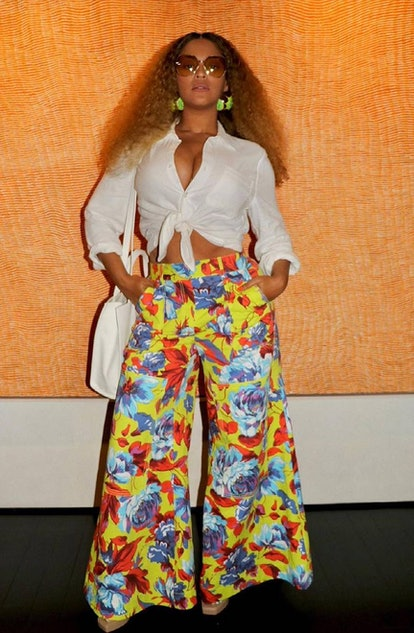 Beyonce in outfit.