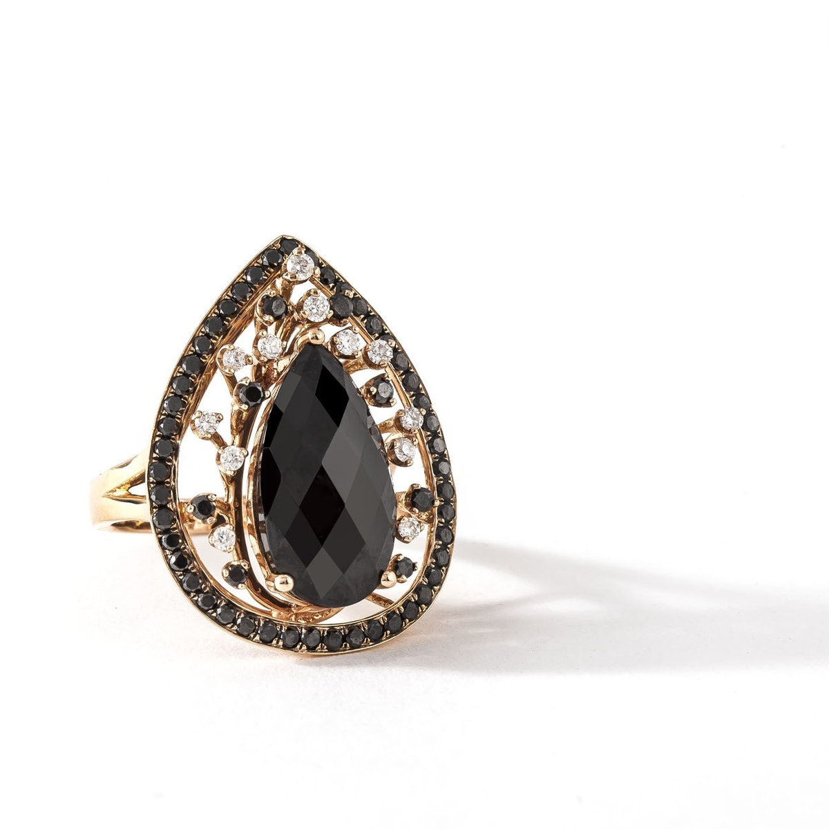Pear Mystery - Black Diamond Ring - Red Gold