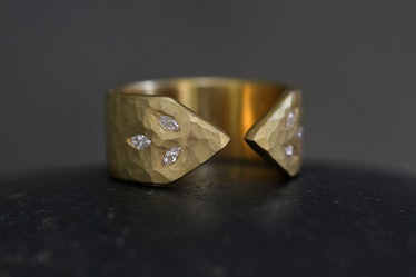 22K Recycled Gold 3 Leaf Arrow Band with Ethically Sourced Diamonds