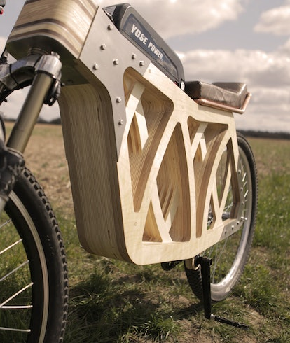 A high-res image of Electraply, a wooden electric bike made by mode maker, Evie Bee. Electric vehicl...