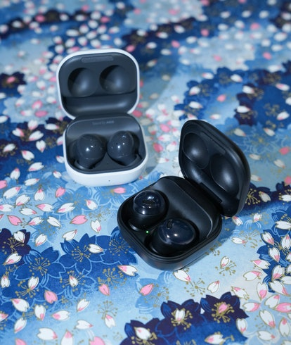 Samsung Galaxy Buds 2 review comparison vs. Galaxy Buds Pro charging case