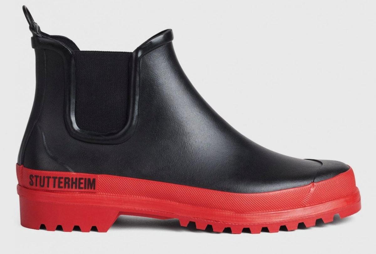 Stutterheim's Chelsea Rainwalker in black and red.