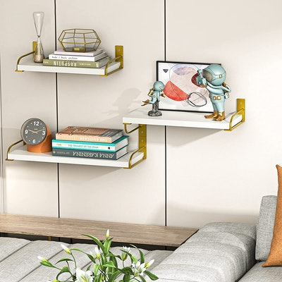 AMADA HOMEFURNISHING Floating Shelves (Set of 3)