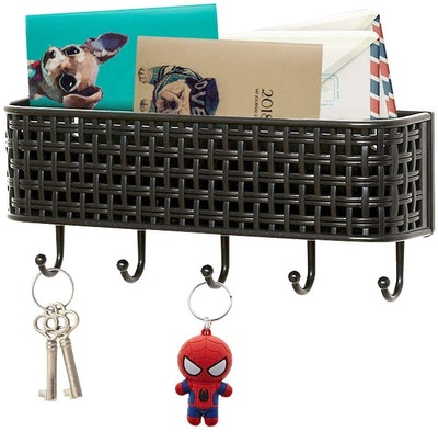 REALWAY Wall Mount Mail Basket with Key Holders