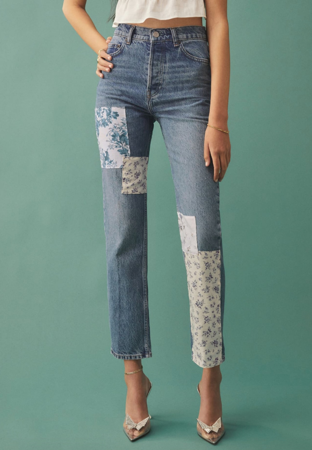Reformation's Cynthia Linen Patch high Rise Straight Jeans.