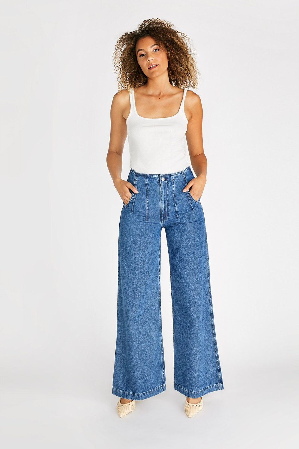 Devon High Rise Wide Leg Pant With Darts from ética.