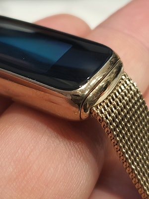Fitbit Luxe with mesh bracelet
