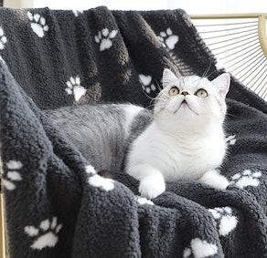 YINXUE Soft Fluffy Fleece Pet Blankets (2-Pack)