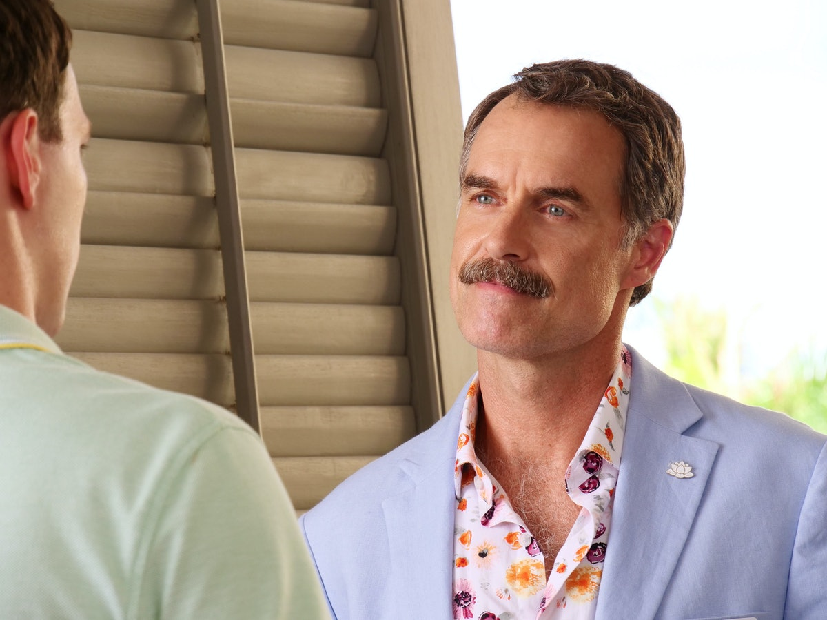 Murray Bartlett as Armond in The White Lotus.
