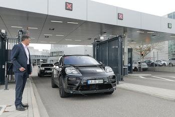 2023 Porsche Macan EV