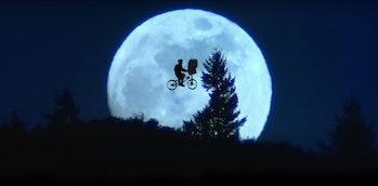 Elliott's bike in front of the moon in E.T.