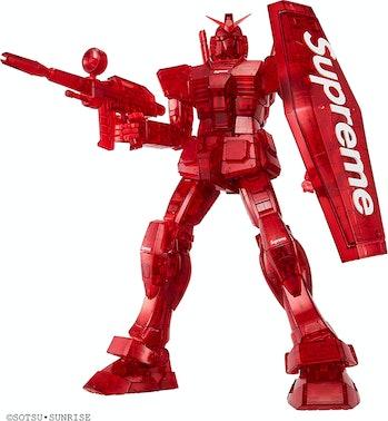 Supreme Gundam Model Kit
