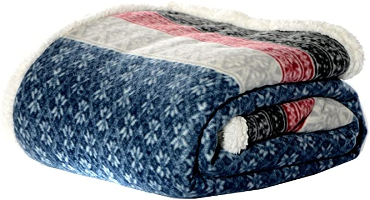 Eddie Bauer Brushed Fleece Collection Reversible Sherpa Throw Blanket