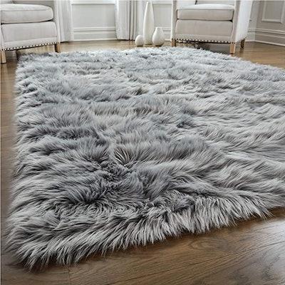 Gorilla Grip Premium Faux Fur Area Rug