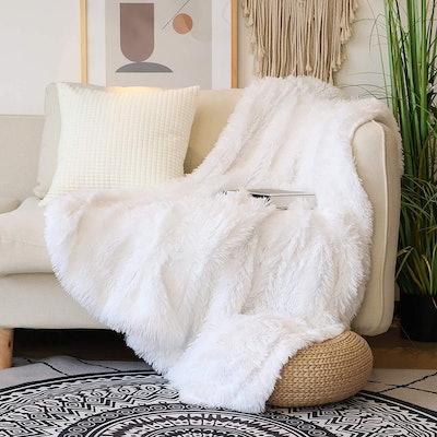 Tuddrom Reversible Faux Fur Throw Blanket