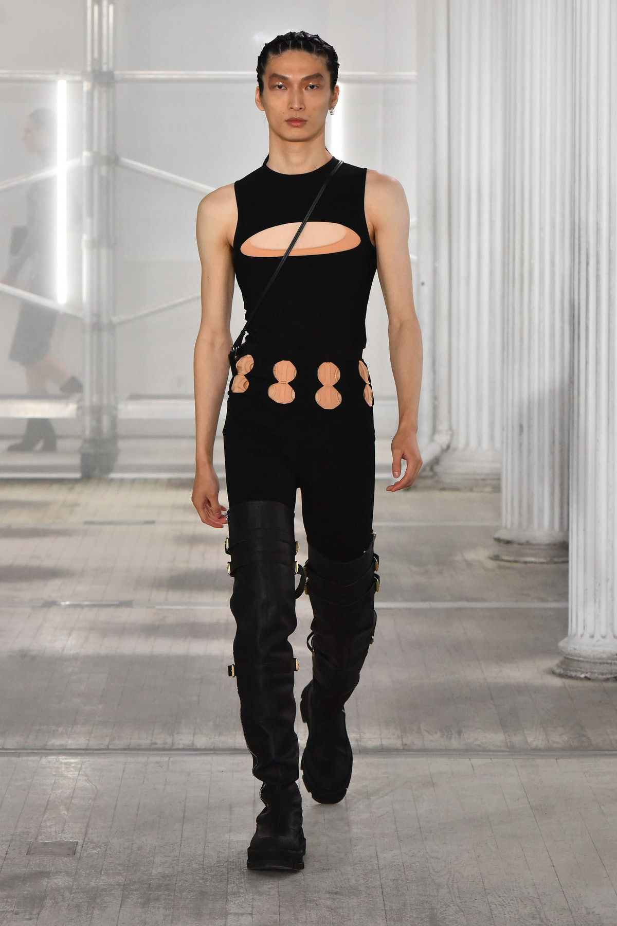 Pelvic cut-outs are the new denim trend to try, spotted everywhere from the Dion Lee runway to Bella...