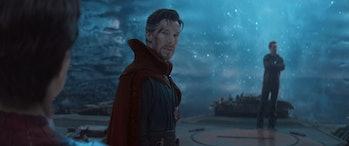 Benedict Cumberbatch's Doctor Strange talking to Spider-Man in Avengers: Infinity War