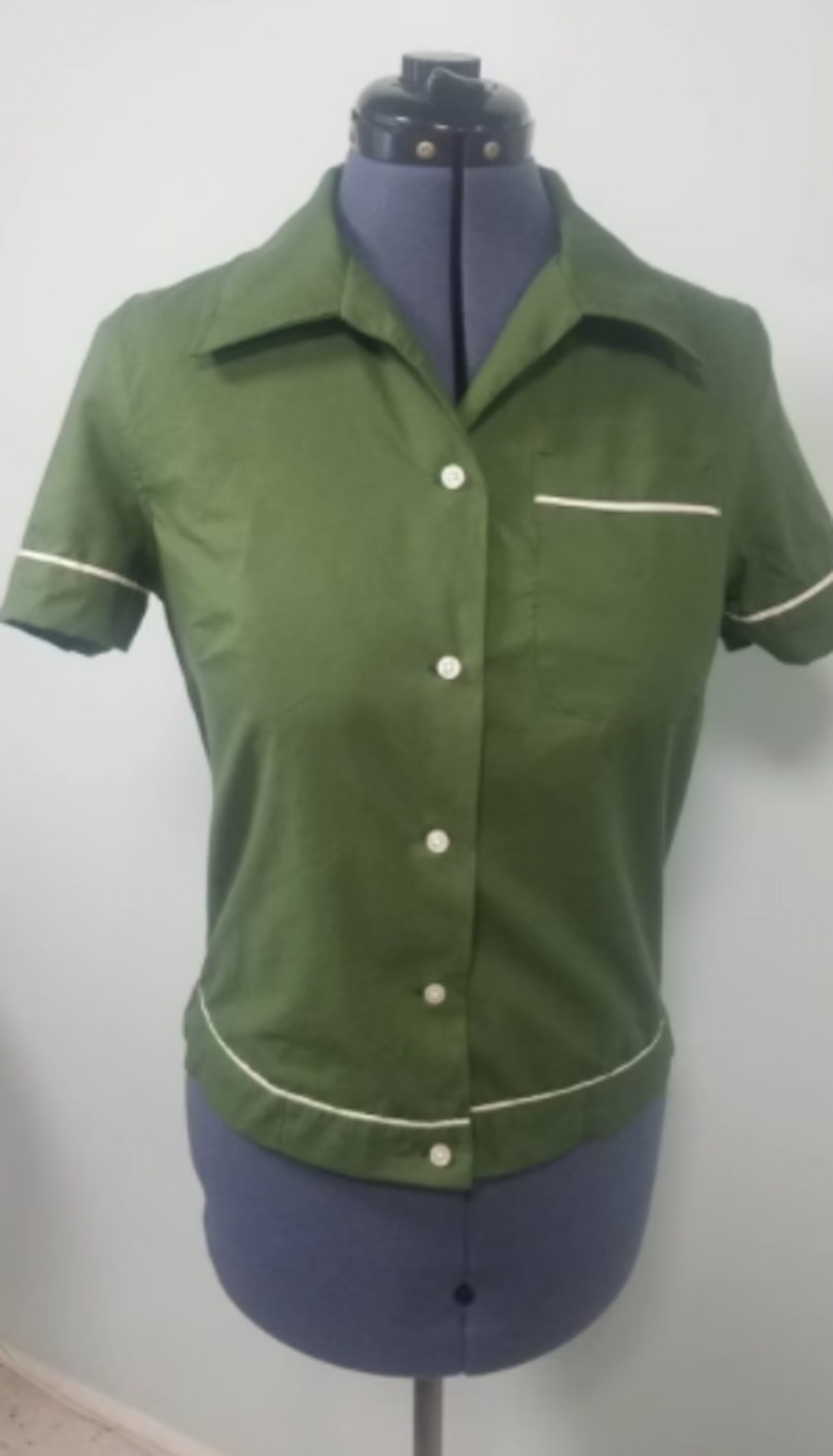 Womens Vintage Style Bowling Shirt - The Bella Swan