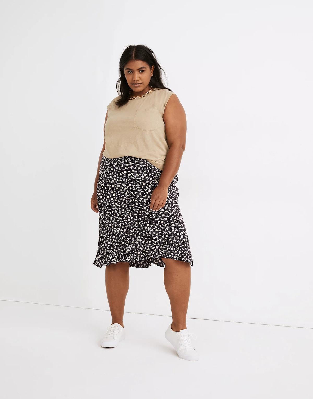 Plus Drawstring Midi Slip Skirt in Sweet Floral