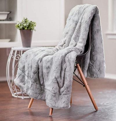 Chanasya Super Soft Fuzzy Faux Fur Throw Blanket