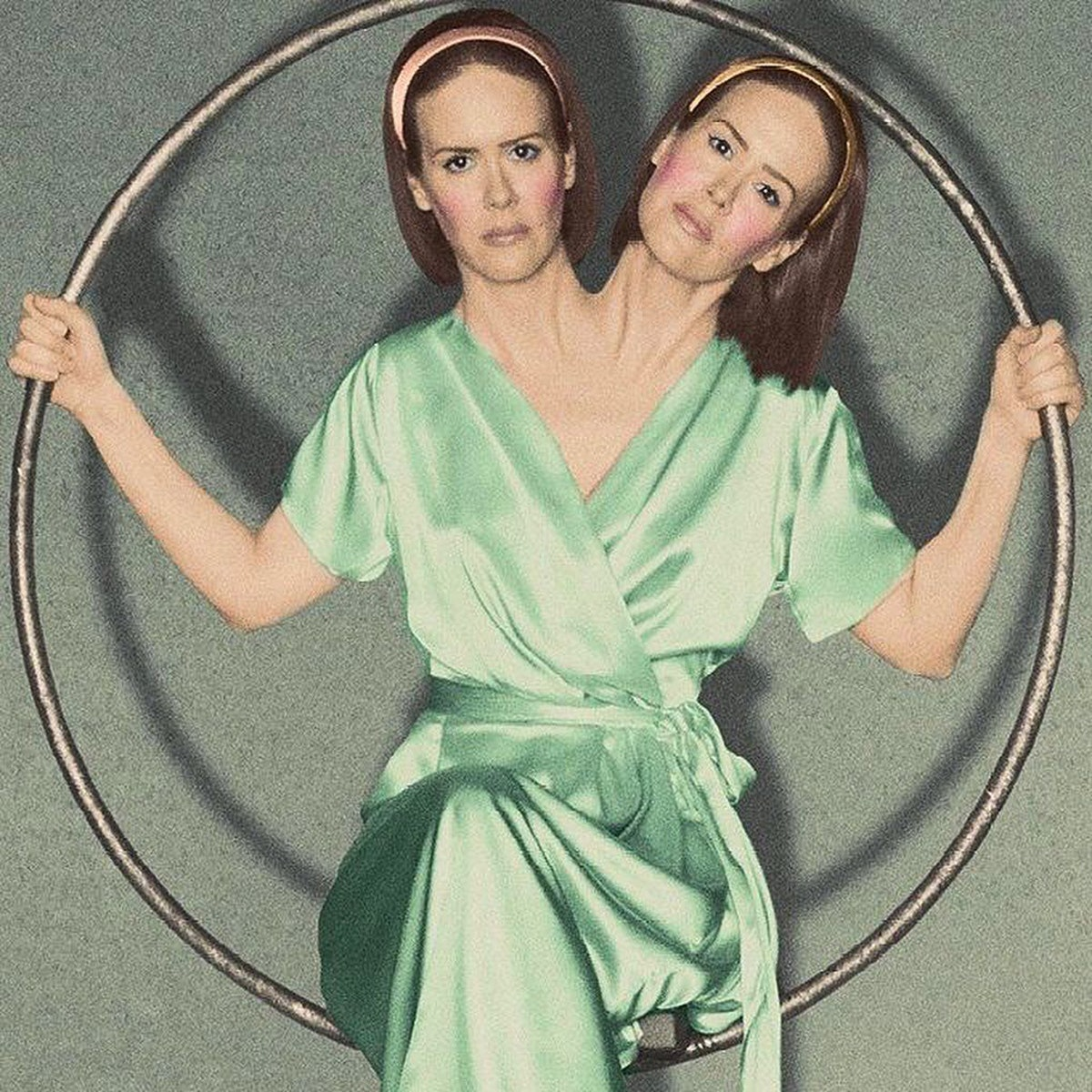 Sarah Paulson playing conjoined twins in American Horror Story