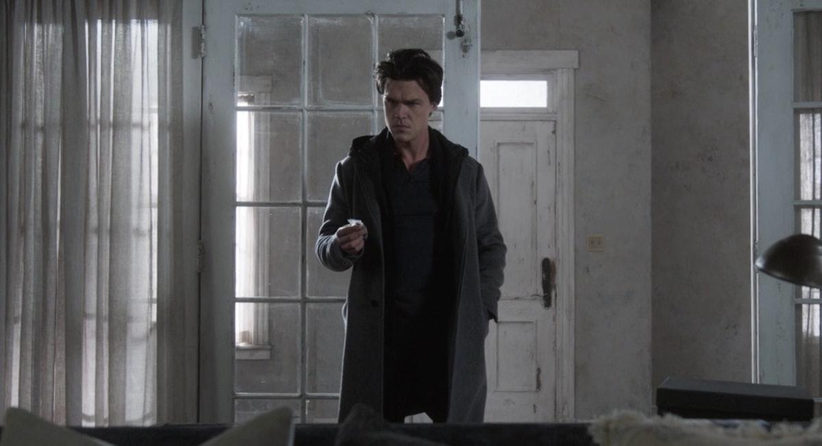 """Finn Witrock in 'AHS' Season 10, Part 1, """"Red Tide"""""""