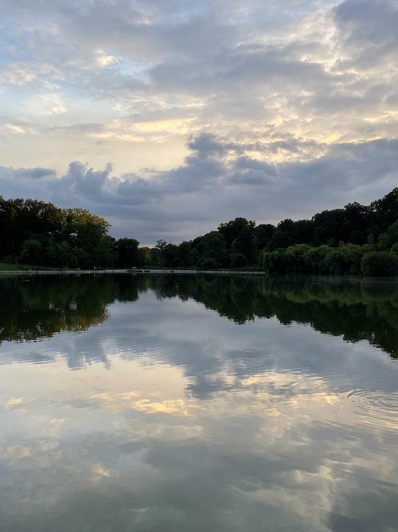 Galaxy Z Flip 3 vs. iPhone 12 Pro ultra-wide camera comparison: scenic lake