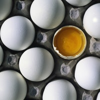 Are brown eggs healthier? Science debunks a pervasive myth