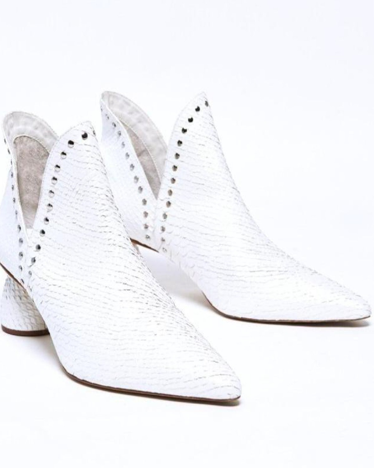 White Jane ankle boots from VICSON.