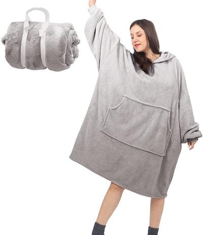 Daverose Lightweight Hoodie Blanket