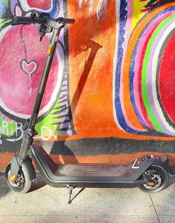 Niu KQi3 Pro e-scooter review graffiti