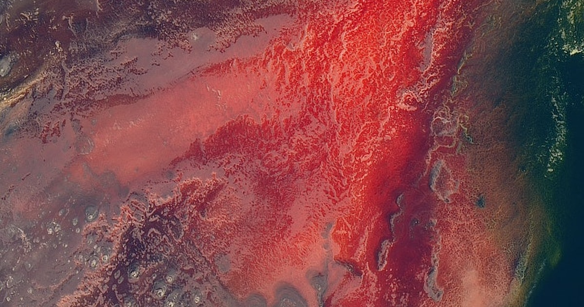 10 stunning images show Earth's constant change<br>