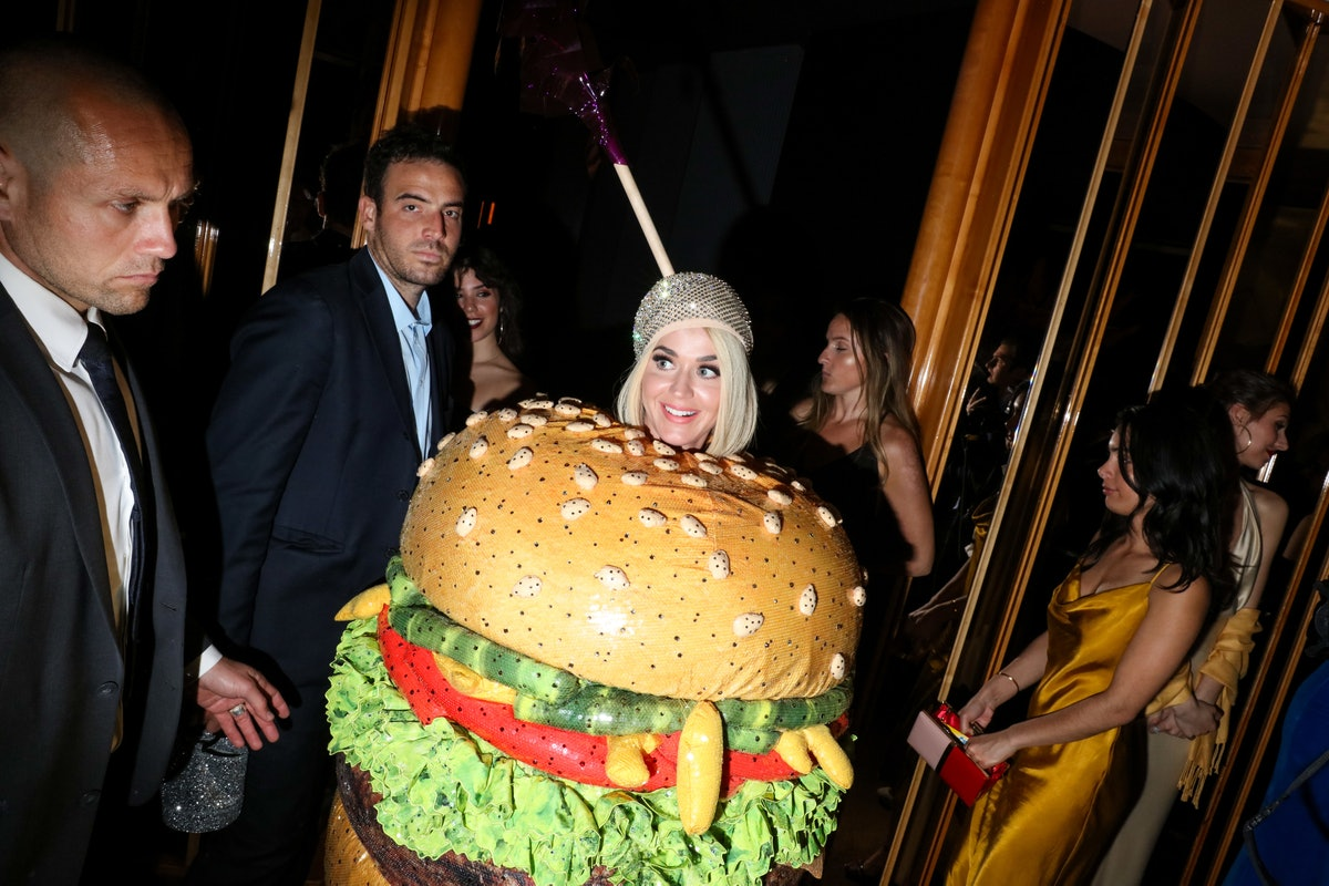 Katy Perry dressed as a hamburger