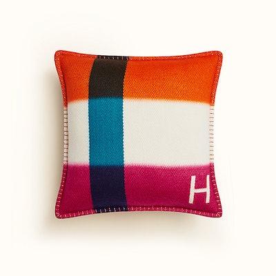 H Dye Pillow
