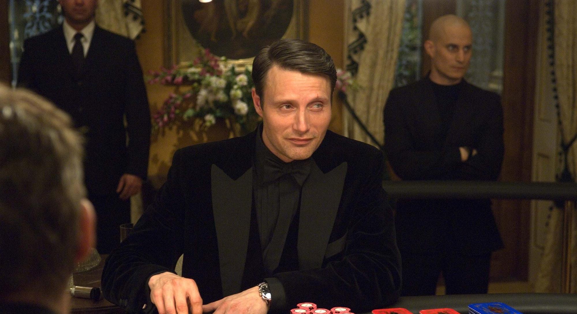 poker table scene from Casino Royale movie
