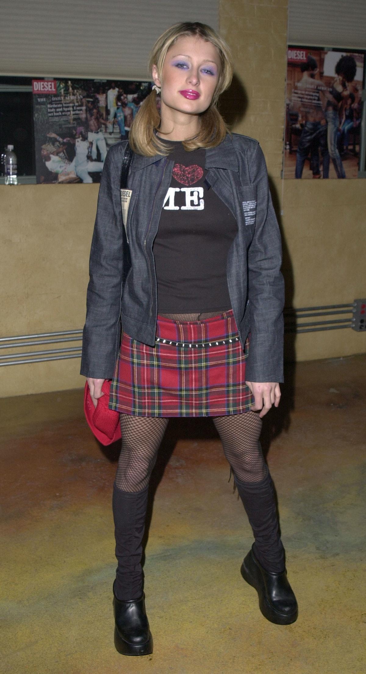 Paris Hilton wearing emo lite