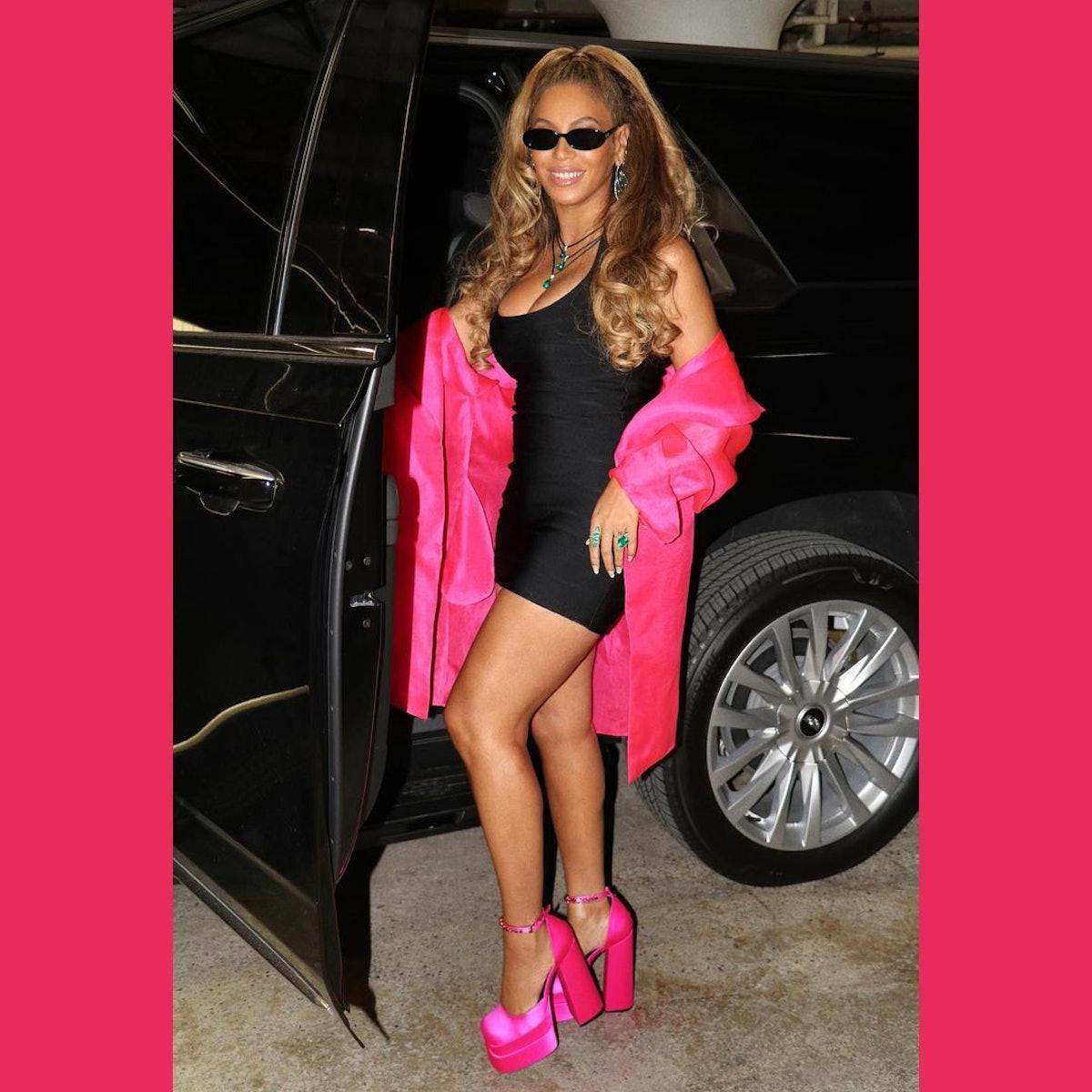 Beyoncé channeling Barbie in Versace