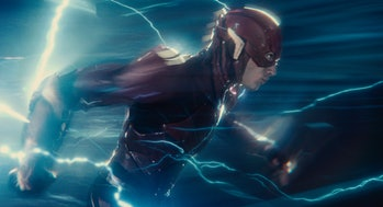 The Flash running in Justice League