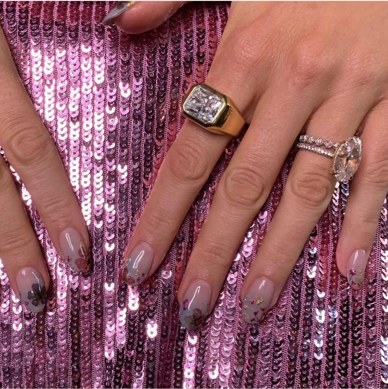 Blake Lively returned to the red carpet for the 'Free Guy' premiere with real flowers on her nails.
