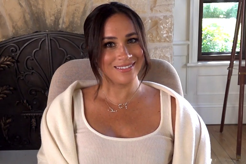 Meghan Markle wearing constellation necklaces