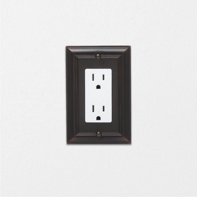 Amazon Basics Light Switch Outlet Wall Plate (3-Pack)