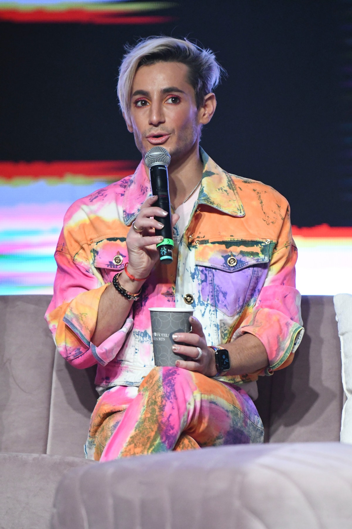 """Frankie Grande says his family's beauty """"secret"""" is none other than Neutrogena Makeup Removing Clean..."""