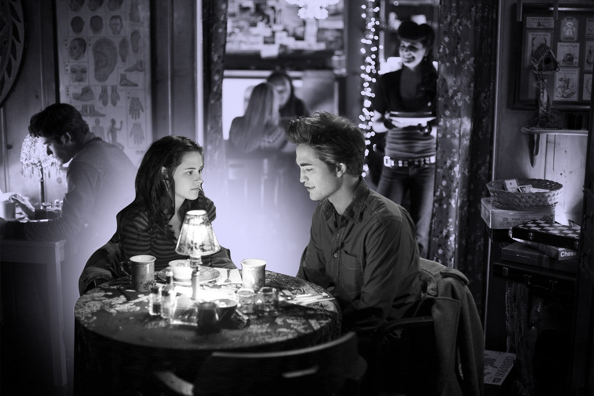 Edward and Bella from 'Twilight' enjoy dinner at one of the filming locations from the movie.