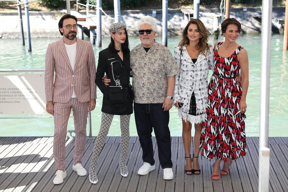 Israel Elejalde, Milena Smit, Director Pedro Almodovar, Penelope Cruz and Aitana Sánchez-Gijón
