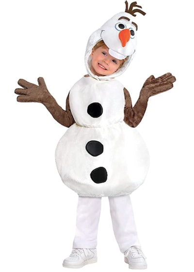Child wearing an Olaf costume