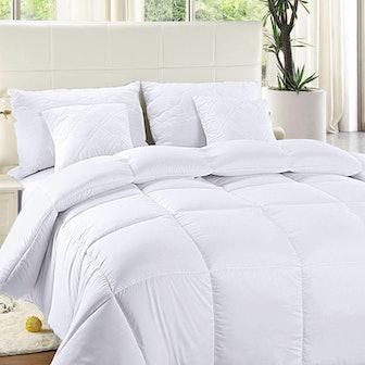 Utopia Bedding Microfiber Comforter