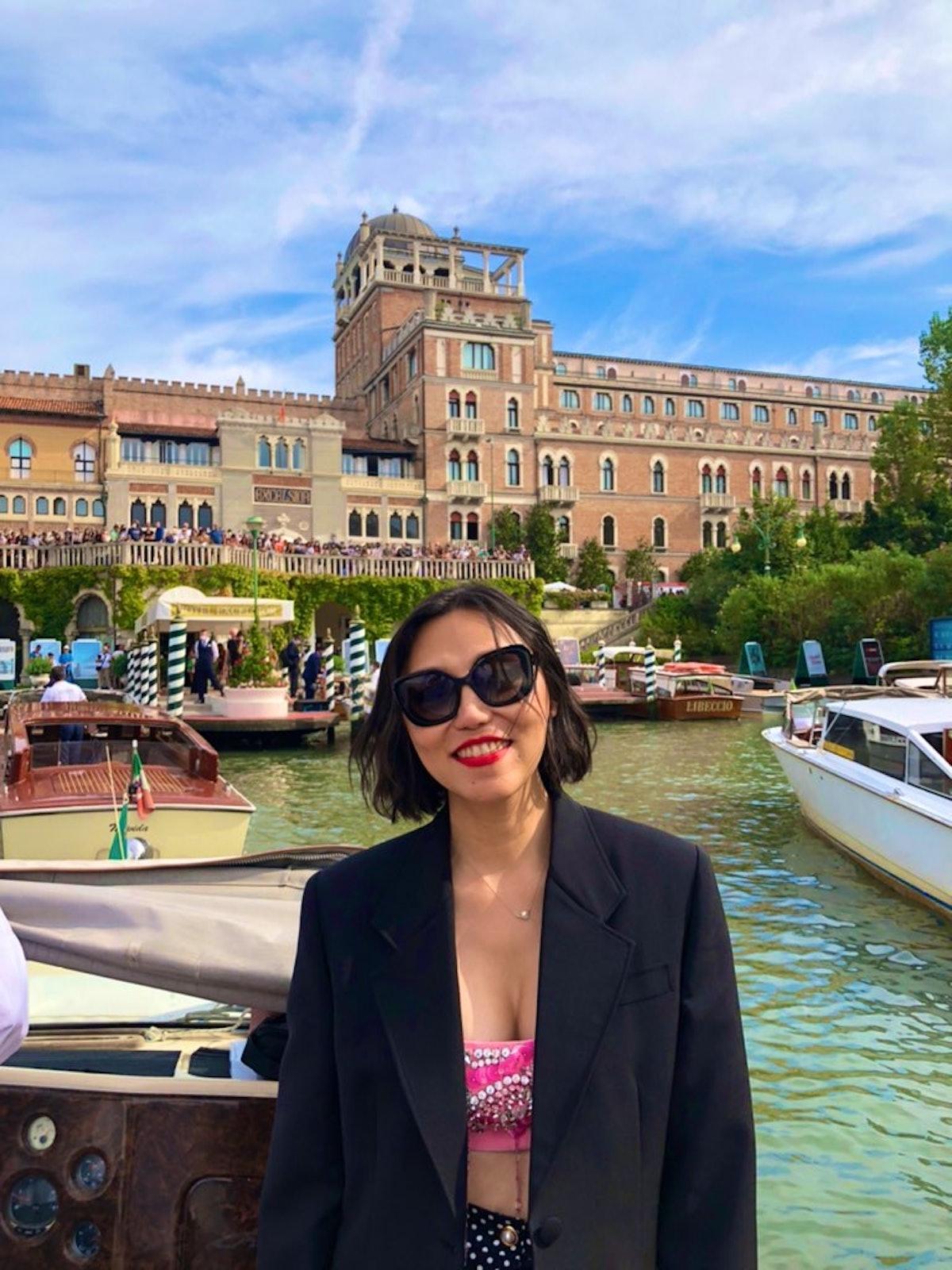 ایزابل روی قایق