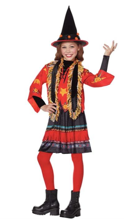 Child dressed as Dani Dennison from Hocus Pocus