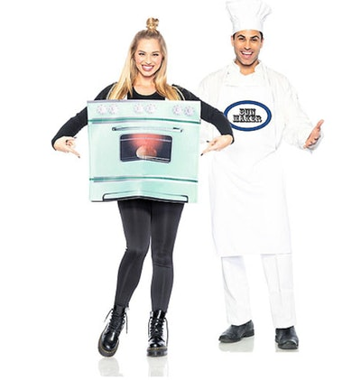 Adult Chef & Bun in the Oven Couples Maternity Costumes